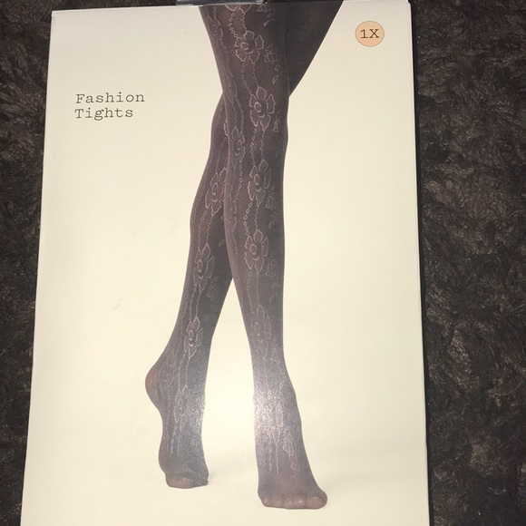 and Accessories - NWT plus size floral tights
